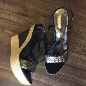 Size 8 Audrey Brooke 5 inch Wedge Sandals